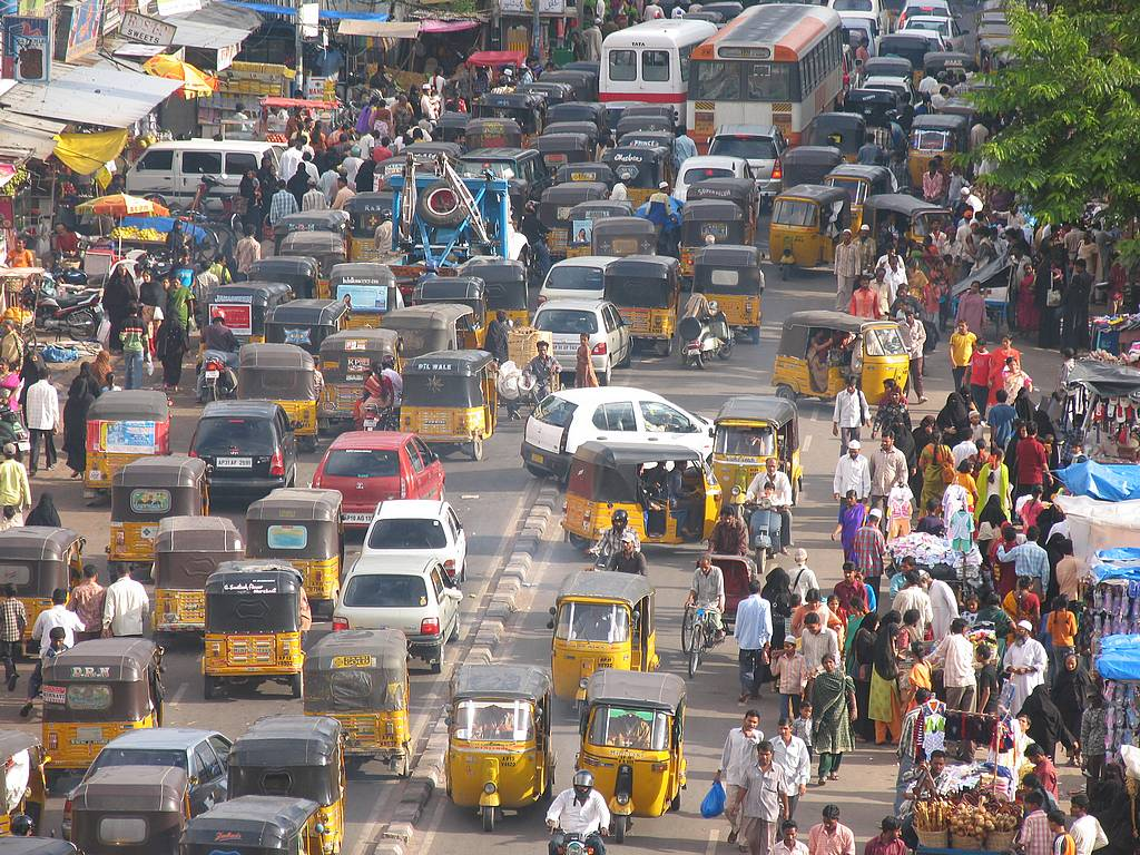 essay of traffic problem in lahore city